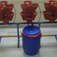 Vertical Stackable Hydroponics System